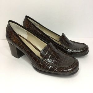 BANDOLINO Brown Leather Block Heel Square Toe Shoe